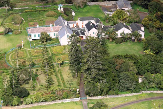 Paragliding over longwood st helena online for Longwood house